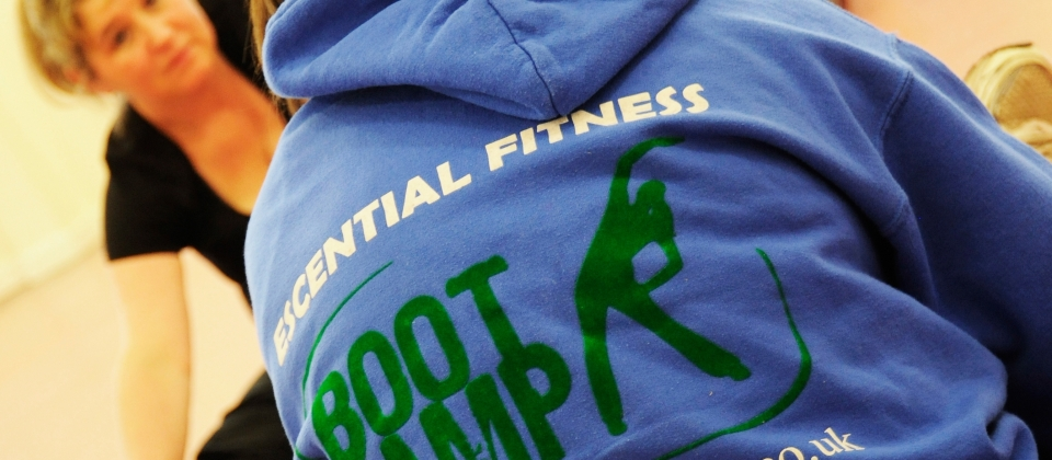 Escential Hoodies & t-shirts